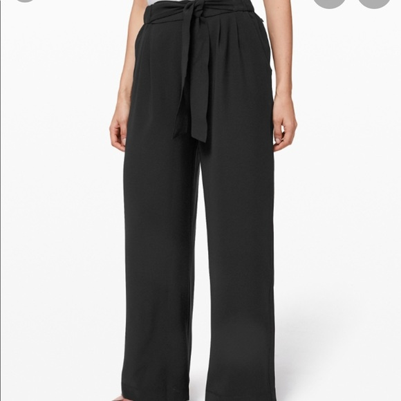 Lululemon Noir Pant - new with tags